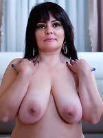 Juggvideos Presents: Live Busty Babe From IMLIVE
